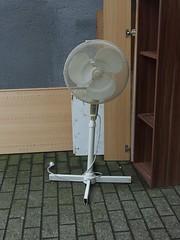 not a fan (mkorsakov) Tags: münster city innenstadt gerümpel sperrmüll trash ventilator fan