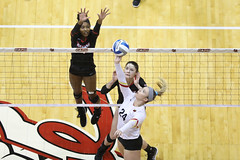 20191112-volleyball-vs-Seton-Hill-CHELSEA-HOWARD-KAYLIN-BURKEY-7K0A0595