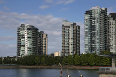 Lines and curves, Vancouver (Canada) (herbert@plagge) Tags: vancouver kanada stadt architektur gebäude hochhäuser innenstadt britishcolumbia canada downtown seawall city buildings skyscraper architecture skyline