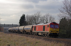 60092 - Melton Ross (Andrew Edkins) Tags: 60092 humber oiltanks empty meltonross northlincolnshire 6e54 canon geotagged freighttrain november 2019 winter curve railwayphotography class60 type5 brush tug sun england uk track tanks sky clouds diesel dbcargo bridge field