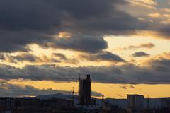 Atardecer en Valencia 87 (dorieo21) Tags: sunset atardecer crépuscule ocaso crepúsculo exquisitesunsets cloud building clouds buildings edificios tramonto nuvola sonnenuntergang edificio cielo nuage nuages bâtiment urbanscape nuvole nubes nube