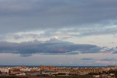 La luna sobre Alboraya (dorieo21) Tags: moon luna lune mond himmel cielo ciel sky cloud clouds nube nubes nuage nuages atardecer crépuscule crepúsculo sunset exquisitesunsets tramonto sonnenuntergang wolke wolken nuvola nuvole urbanscape nikon d7200