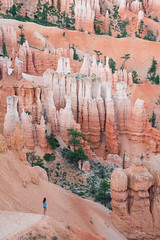 The Hoodoos (Fab Boone Photo) Tags: jaune ajouter des tags fabien boone fabienboone fabienboonephoto fabboonephoto nature usa rock ssunset syunrise sunset sunrise photo photography fab fabboone pattern red colors antelope canyon antelopecanyon up sky arizona page fabienboonephotograph fabienboonephotography national park tree trees magic scenic landscapes outdoors no people scenics silhouette tranquil scene cloud landscape dusk mountain beauty in dawn outdoor hoodoos bryce lost orange white brycacanyon tranquille
