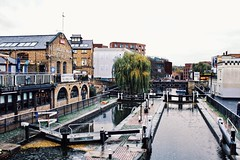 Classic Hampstead Road Lock (marc.barrot) Tags: x100f urbanlandscape lock canal uk n1 london camden grandunioncanal regent'scanal camdenlocks hampsteadroadlock