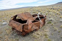 DSC_0618_Kopie (fritzenalg) Tags: ausgebrannt rost rust rusty ruta 40 schrott autowrack unfall accident