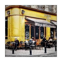 L'Apollo (Jean-Louis DUMAS) Tags: bar restaurant bordeaux square streetlife ville scènederue people gens personne aquitaine vin wine lune moon