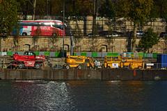 Bords de Seine quai de Bercy (Edgard.V) Tags: paris parigi seine sena rio river fiume fleuve sunset coucher de soleil tramonto pordesol bus autobus