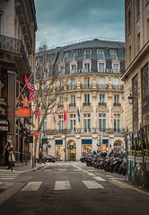 Paris (marcelo.guerra.fotos) Tags: paris loveparis france europe street streetphoto colorful clouds nikon