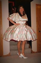 Pastel Print 97 (Deedee Fullskirt) Tags: transvestite petticoat highheels crossdresser fullskirt