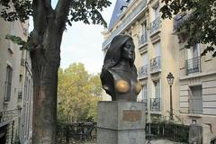 Dalida (level42_ch) Tags: statue sculpture skulptur paris montmartre bronze bronce kunst art artiste chanteuse buste france