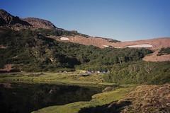Laguna Cauquenes (Mono Andes) Tags: andes chile chilecentral regióndelbiobío canogastour canogas2001 campamento trekking backpacking
