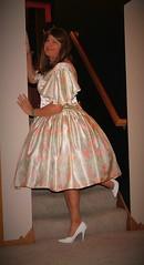 Pastel Print 4 (Deedee Fullskirt) Tags: transvestite petticoat highheels crossdresser fullskirt