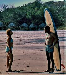 Seashore Flirtation (Alfredo Rafael) Tags: panama vintage film spotmatic pentax beach