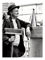 The man with the parrot (streetspirit13) Tags: humanstreet streetportrait streetphotographer candidstreetphotography portraitderue candidportrait canonfrance bw bnwphotographer bnwstreetphoto blackwhite blancoynegro