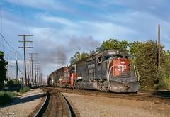 SP 3203 West at Davis, CA (thechief500) Tags: calp sp davis railroads california southernpacific espee