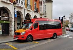 Burgos, calle Santander 14.12.2017 (The STB) Tags: bus autobus autobús busse burgos castillayleón transportepúblico publictransport öpnv transporteurbano citytransport