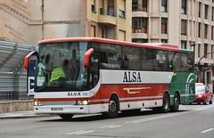 Burgos, calle Madrid 02.01.2019 (The STB) Tags: bus autobus autobús busse burgos castillayleón transportepúblico publictransport öpnv