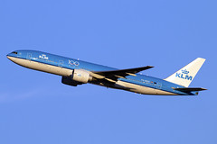 PH-BQO (JBoulin94) Tags: dutch royal boeing klm airlines phbqo usa john virginia washington airport dulles iad international va kiad 777200 boulin