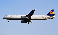 D-AIRE Lufthansa Airbus A321-100 (Infinity & Beyond Photography: Kev Cook) Tags: daire lufthansa airbus a321 a321100 airlines airways aircraft airplane airliner heathrow airport london lhr egll planespotting photos planes