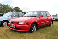 Mazda 323 M26WER (Andrew 2.8i) Tags: festival unexceptional buckinghamshire middle claydon meet show coche voitures voiture autos auto cars car japanese hatch hatchback bg familia 1300 13 323 mazda m26wer