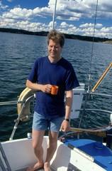 Jan på Amica mot Långö 27 juli 1999 (gustafsson_jan) Tags: långö jangustafsson sörmland sörmlandskusten skärgård skärgårdsö sörmlandsskärgård archipelago archipel naturturism