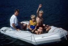 Långö 28 juli 1999 (gustafsson_jan) Tags: långö gummibåt jangustafsson rickardgustafsson alexandersolliholm sörmland sörmlandskusten skärgård skärgårdsö sörmlandsskärgård archipelago archipel naturturism