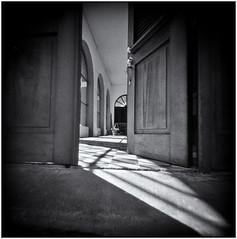 Fotografía Estenopeica (Pinhole Photography) (Black and White Fine Art) Tags: fotografiaestenopeica pinholephotography lenslesscamera camarasinlente lenslessphotography fotografiasinlente pinhole estenopo estenopeica stenopeika sténopé kodakbw400cnexp2007 kodakd76 sanjuan oldsanjuan viejosanjuan puertorico niksilverefexpro2 lightroom3 bn bw