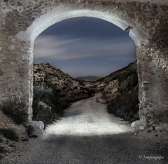 Camino de la vida dramatico (Jarofotografía) Tags: tristeza arco puerta acueducto nubes camino pentax sigma noche cielo elche