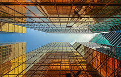 Reflective surface (Fabrizio Massetti) Tags: color hongkong nikond4s carlzeiss21mmf28 fabriziomassetti mirror cityscape red colored