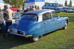 Citroën DS19 (Maurizio Boi) Tags: car auto voiture automobile coche old oldtimer classic vintage vecchio antique france citroen citroën ds dèesse ds19 dea