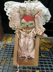 Peter Kanin (cats_in_blue) Tags: toyrabbit toys knittedtoys oldtoys peterkanin
