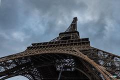 Parigi (capellini.chiara) Tags: flickrtravelaward city cloudy toureiffel france francia paris parigi