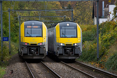 Desiro's. (Azariel01) Tags: 2019 belgique belgium bruxelles brussels train sncb nmbs tracks voies autumn fall automne desiro siemens am08