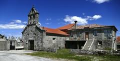 Alto do Rodicio (Ourense, Galice, Sp) – Iglesia de As Chas en su soledad (caminanteK) Tags: altorodicio maceda aschas casetadorodicioegliseconstructionenpierre galicia ourense