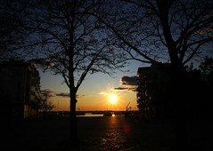 2019-10-05 (Giåm) Tags: helsingborg sunset coucherdesoleil solnedgång solnedgang norrahamnen skåne scanie scania sverige suede sweden schweden giåm guillaumebavière