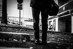 L'artiste et moi. (LACPIXEL) Tags: artiste artist artista moi yo i peinture pintura paint painting spray aérosol aerosol rue street calle noiretblanc blancoynegro blackandwhite reflet glace miroir espejo mirror reflection poissy france flickr sony lacpixel ludovic