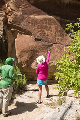 Onlookers view petroglyphs in Utah's Desolation Canyon Area (mypubliclands) Tags: utah explore wilderness petroglyphs desolationcanyon wildernessstudyarea wsawilderness blmutah