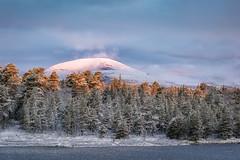sun touches the mountain (Diana Klawitter) Tags: schweden fjällvattnet winter berg sonnenaufgang sunrise jämtland sonyflickraward