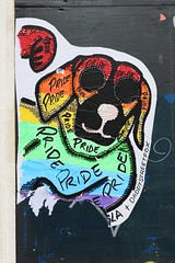 Doggy Style (just.Luc) Tags: dog hond chien hund rainbow regenboog regenbogen arcenciel gay pride letters lettres royaumeuni verenigdkoninkrijk unitedkingdom grootbrittanië grandebretagne greatbritain england angleterre engeland londen london londres colors couleurs kleuren farben colours europa europe