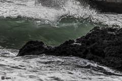 _MG_7197 (#gangulo) Tags: paisaje gangulo sunset sea detalle detail water landscape mar sand agua rocks waves arena olas rocas cueva world trip travel viaje beach portugal playa roadtrip professional adventure cave aventura profesional