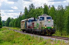 Freight train T4075 (Arttu Uusitalo) Tags: vr freight train t4075 finnishrailways diesel locomotive dr16 kainuu sotkamo finland summer july 2016 nikon d7000 day