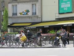 Space Invader PA_1404 (tofz4u) Tags: 75012 paris streetart artderue invader spaceinvader spaceinvaders mosaïque mosaic tile pa1404 street rue people pedestrian piéton vélo velo bike bicycle bicyclette