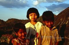 Mrauk U, local kids (blauepics) Tags: myanmar birma burma southeast asia südostasien 1996 myauk mrauk u mrauku rakhine arakan state province provinz burmese birmanen arakanese farmer bauern simple einfach dusty kids children kinder boy girl junge mädchen vilage dorf faces gesichter portrait porträt