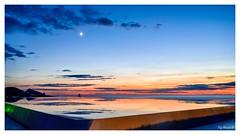 Magnifique coucher du soleil au bord de la piscine (Pyc Assaut) Tags: magnifique coucher du soleil au bord de la piscine magnifiquecoucherdusoleilauborddelapiscine beautiful sunset by pool beautifulsunsetbythepool nikon nikonz7 ibiza baléares îlesbaléares île island espagne spain thebalearicislands thebalearics moon lune sun pyc5pycphotography pycassaut pierreyvescugni pierreyvescugniphotography extérieur horizon ciel sky reflets water eau
