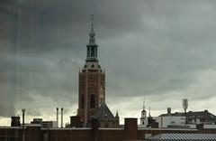 Haags zicht op de Haagse toren vanuit Hudson Bay (Gerard Stolk ( vers le toussaint)) Tags: thehague denhaag lahaye haag jacobuskerk grotekerk