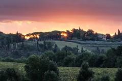 Sunrise in Monteriggioni (Luna y Valencia) Tags: monteriggioni siena alba amanecer sunrise toscana