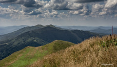 Połonina Caryńska (MWojciechowski Foto) Tags: bieszczady poland biesy mountains mountain hill grass field fields clouds cloudy cloud sky skyline day daylight hiking green yellow colours colourful colorful outside outdoors travel