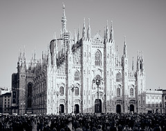 La mia foto del Duomo di Milano (ennioxx) Tags: bw urban mi lombar all
