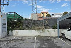 baena 10 (beauty of all things) Tags: spanien espana andalusien parking parken lidl fences zäune