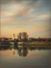 Evening in Borovsk. (odinvadim) Tags: iphonex landscape iphoneart autumn mytravelgram sunset iphoneography iphoneonly textured painterlymobileart snapseed textures travel oldhouse artist old church